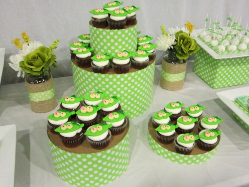 DIY Hat Box Cupcake Tower