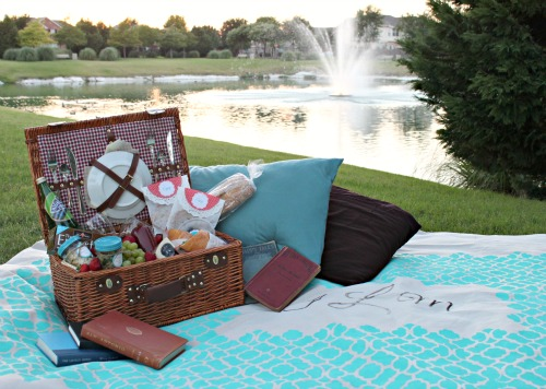 Diy Picnic Blanket Amp Tips For Date Night Picnic Ideas