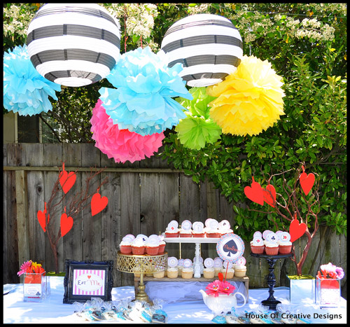 Alice in Wonderland party table
