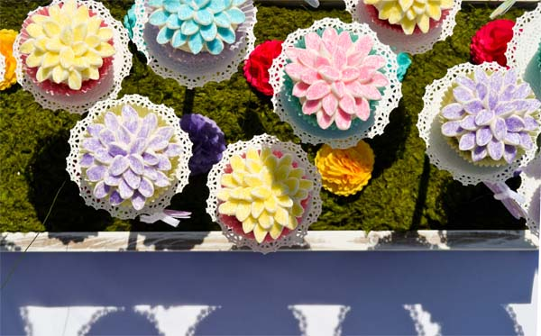 alice-in-wonderland-cupcakes