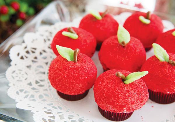 Snow White apple cupcakes
