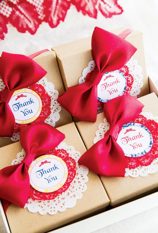 Snow White birthday party favor boxes